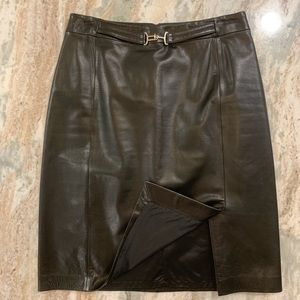 Genuine leather skirt, fully lined, size 8